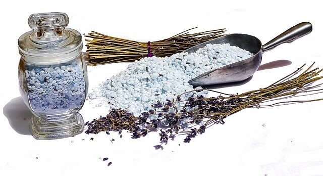 Using lavender for a relaxing bath